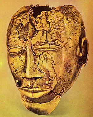 Birim River - Gold mask from the treasure of the Ashanti king Kofi Kolkalli