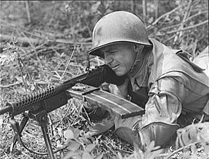 M1941 Johnson machine gun - Johnson LMG in use