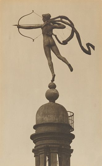 Madison Square Garden (1890) - Augustus Saint-Gaudens' statue of Diana