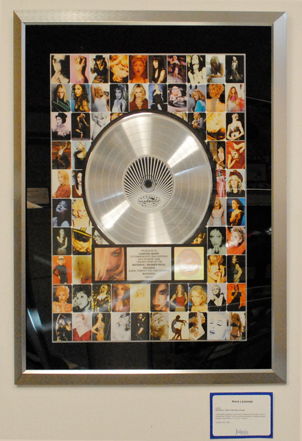 A platinum award for the album GHV2 of Madonna. Madonna platinum record 2.png