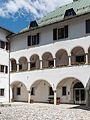 Malborghetto Via Bamberga Palazzo Veneziano arcate 26062015 5563.jpg
