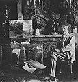 Maler und Radierer Friedrich von Schennis in seinem Berliner Atelier (1914).jpg