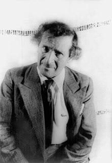 marc chagall 1941 in una fotografia di carl van vechten. Black Bedroom Furniture Sets. Home Design Ideas