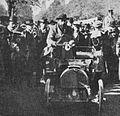 Marcel Renault, troisième de Paris-Rambouillet 1899 sur voiturette Renault.jpg