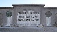 Marcinelle - Cimetière - Tombe des familles Pastur et Destrée - 03.jpg