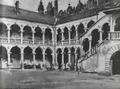 Marian Ruzamski - Dziedziniec arkadowy zamku w Baranowie Sandomierskim.png