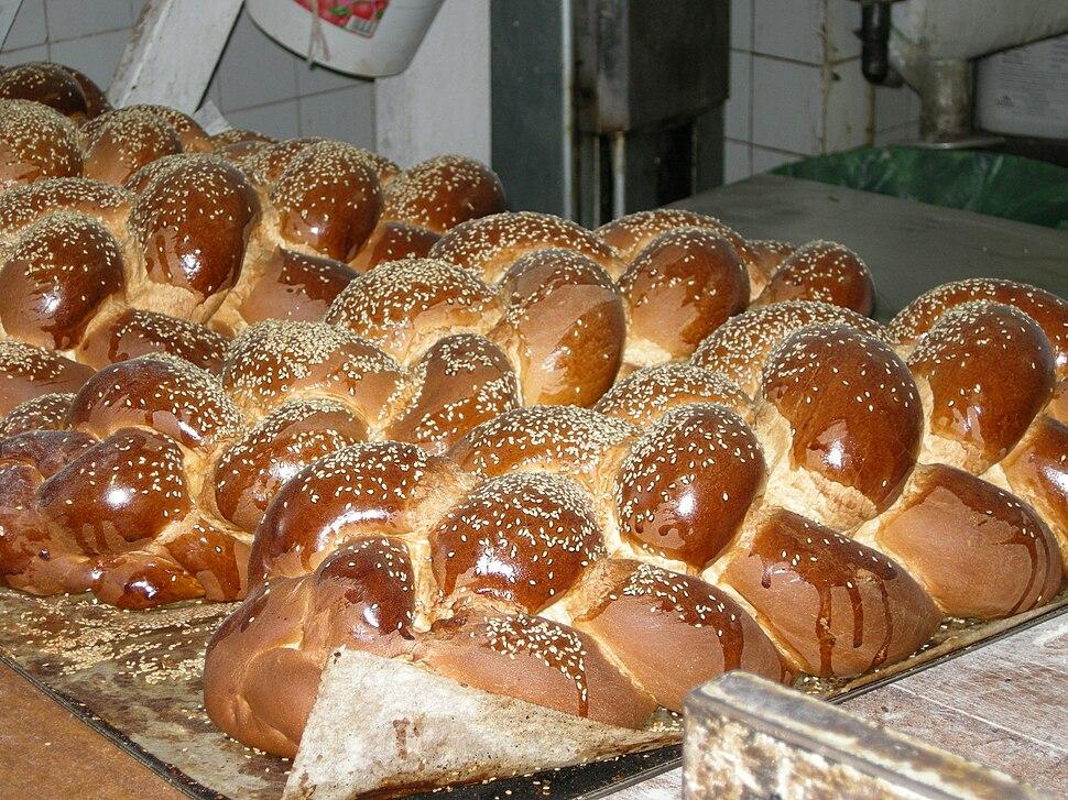 Mea Shearim Challah Sesame