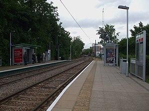 Merton Park tram stop - Image: Merton Park tramstop look west