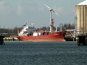 Merwegas at the Calland canal, Port of Rotterdam, Holland 09-Apr-2006.jpg