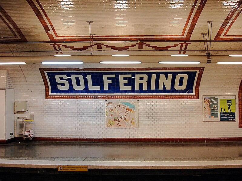 File:Metro de Paris - Ligne 12 - Solferino 04.jpg
