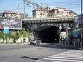 Milano largo Vincenzo Gemito cavalcavia ferroviario.JPG
