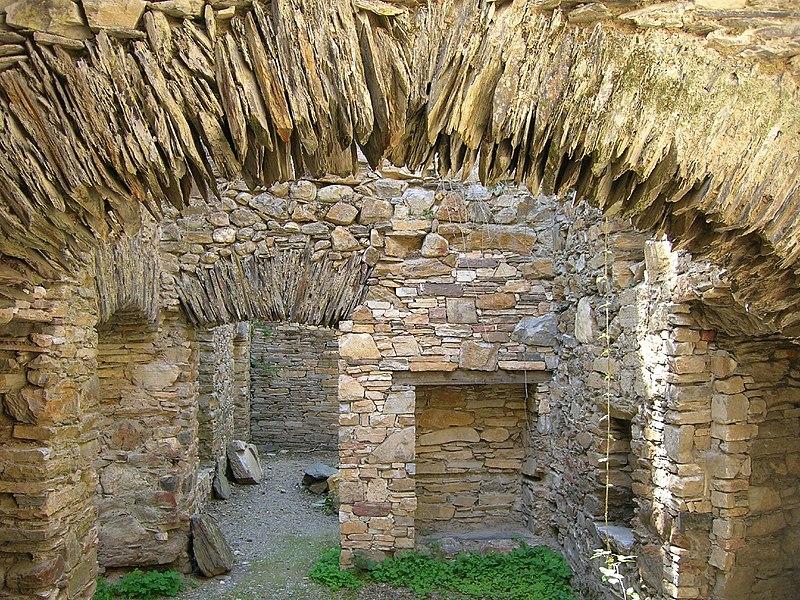 Monasterio de San Pedro de Montes de Valdueza (853191265).jpg