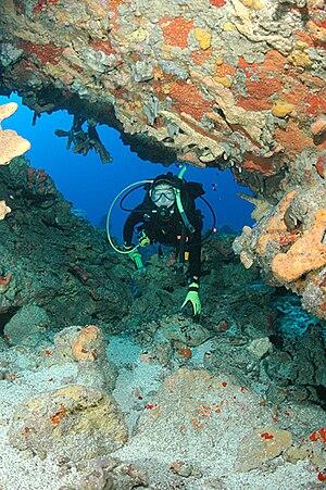 Monito Island - Image: Monito diver in cave