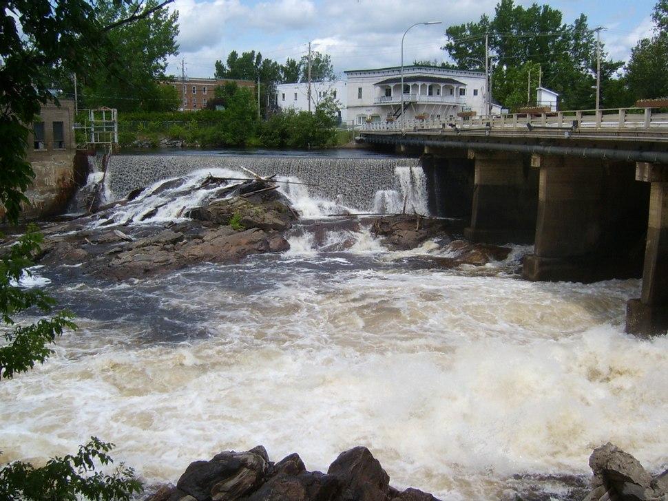 Du Lièvre River in Mont-Laurier