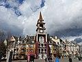 Mont-Tremblant - Québec – Canada - Place Saint Bernard Hotel - panoramio.jpg