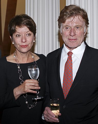 Mrs Sibylle Szaggers Redford and Robert Redford.jpg