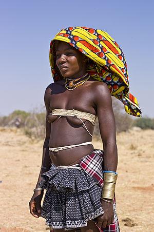 Mucubal people - A Mucubal woman near Virei, Angola in 2011
