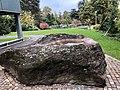 Natursteinbrunnen im Uni Spitals Park Zürich 1.jpg