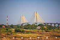 Neak Loeung Bridge April 2015.jpg