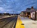 New platforms at Mansfield station, October 2020.jpg