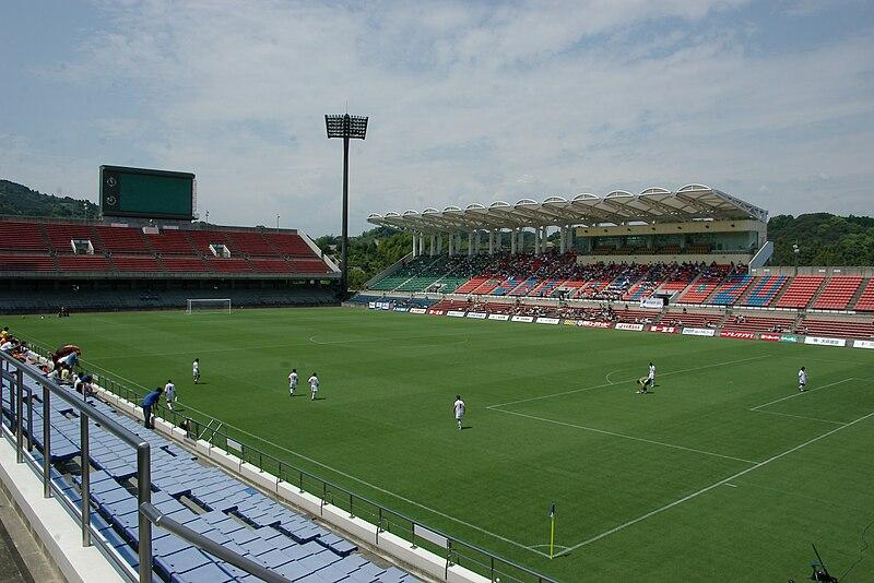 File:Nihondaira stadium20040822.jpg