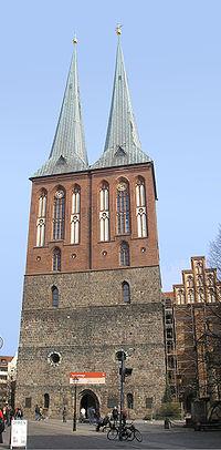 Nikolaikirche Berlin April 2007.jpg