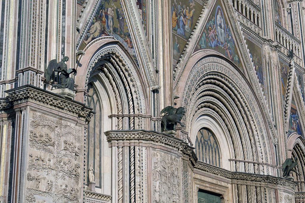 Orvieto kathedrale eingangs