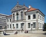Ostrogski Palace Chopin Museum June 2010 d.jpg