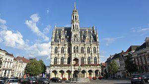 Oudenaarde - Image: Oudenaarde stadhuis 25 9 2016 09 52 11
