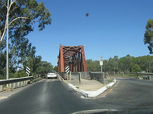 Renmark, South Australia - Paringa Bridge approach from Renmark showing where the railway used to cross between the road lanes