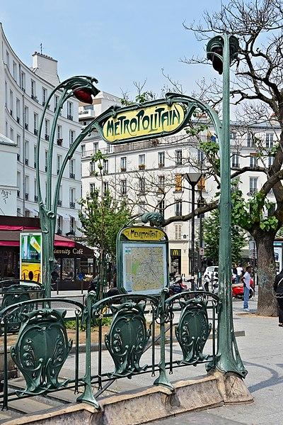 Entrance by Paul Guimard of métro Ménilmontant station
