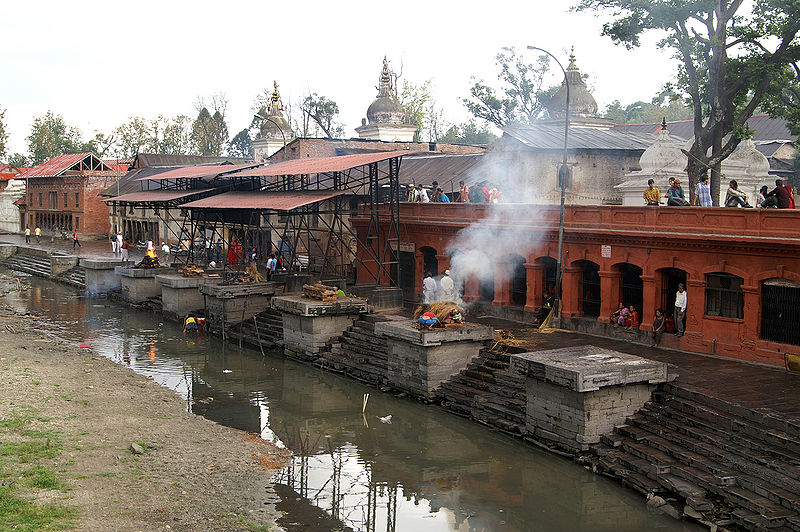 படிமம்:Pashupatinath Cremation.jpg