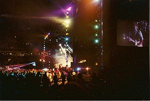 The Paul McCartney World Tour - Outdoor stage and show, 14 July 1990 at Philadelphia's Veterans Stadium
