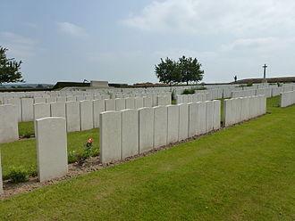 Renfrewshire Fortress Royal Engineers - Image: Pernes (Pas de Calais, Fr) Pernes British Cemetery (02)