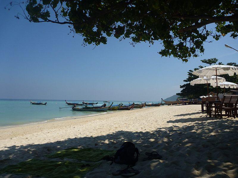 File:Phi Phi Island Tour (4297152814).jpg