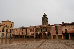 Plaza Mayor de Medinaceli.jpg