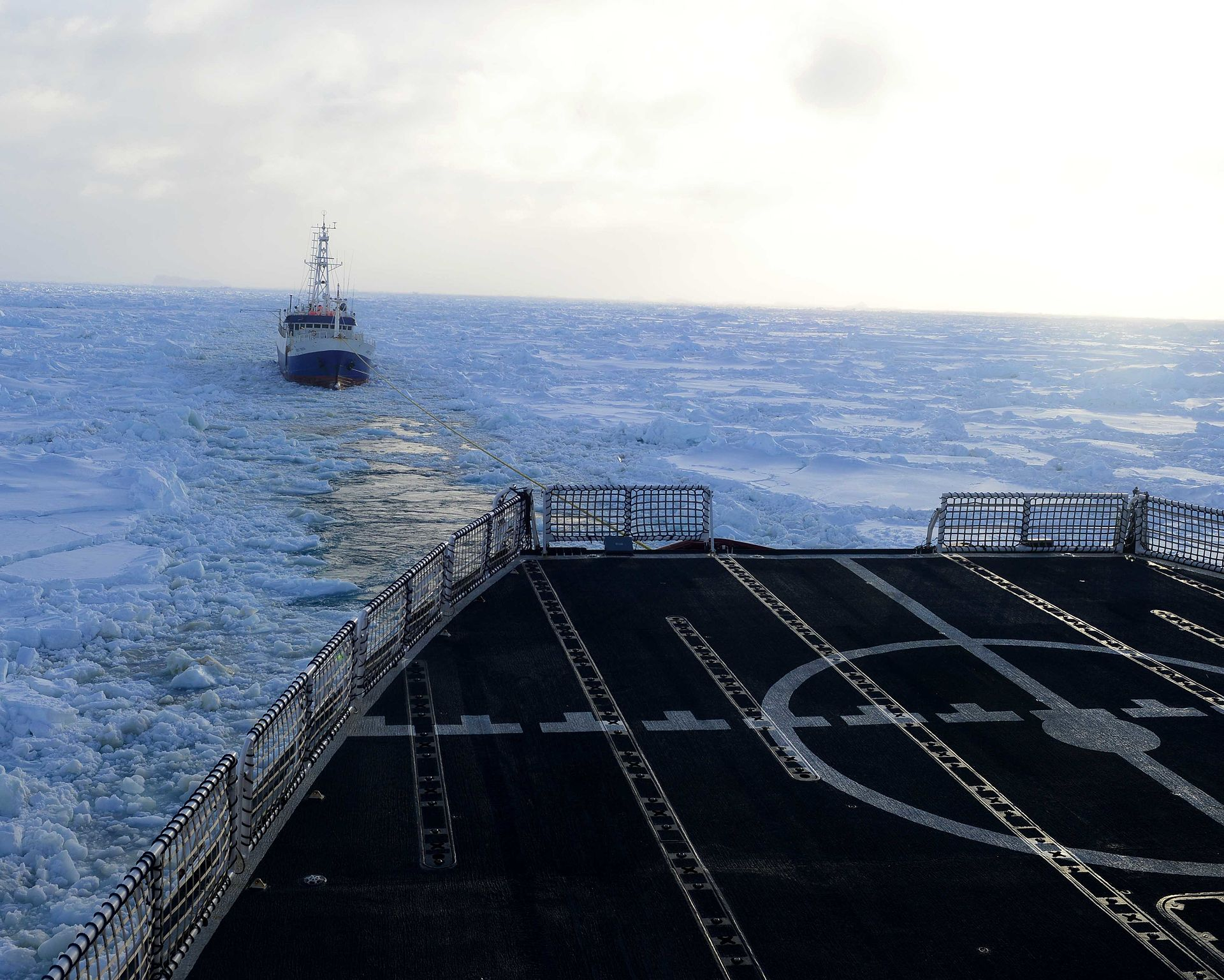Polar Star frees vessel from Antarctic ice 150214-G-JL323-641.jpg