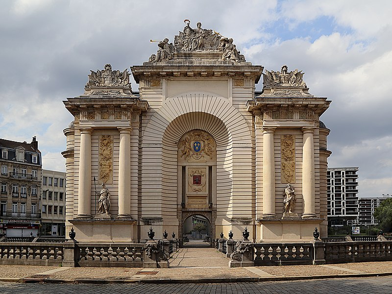 File Porte De Paris Lille J2 Jpg Wikimedia Commons