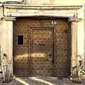 Porte en bois - Saint-Rambert.JPG