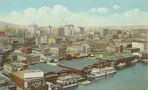Steamboats of the Willamette River - Portland waterfront, 1921