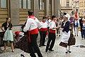 Praha, Staré Město, Prašná brána, belgické tance II.JPG