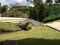 Puente Boyaca Nov 09 2005.jpg