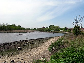 Clason Point, Bronx - Pugsley Creek Park separates Castle Hill Neck (right) from Clason Point (left)
