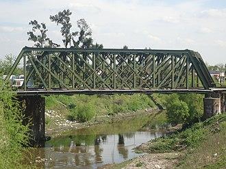 Reconquista River - Railway bridge over the Reconquista River in Paso del Rey.