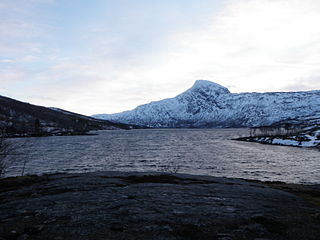 Ramsgjelvatnet lake in Beiarn, Norway