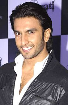 Ranveer Singh at Sahara Star New Year's bash press meet1.jpg