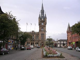 Renfrew Town Hall and centre