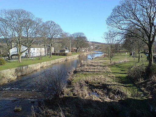 River Aire at Gargrave - geograph.org.uk - 1947372