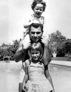 Rod Serling with daughters 1959