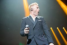 Ronan Keating - 2016330211156 2016-11-25 Night of the Proms - Sven - 1D X II - 0473 - AK8I4809 mod.jpg